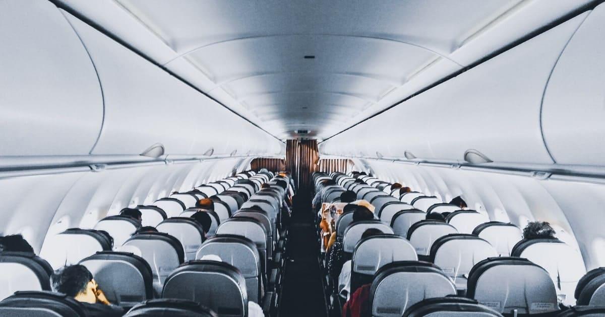 飛行機内で押さえておくべき英語表現完全網羅【52選】【場面別】