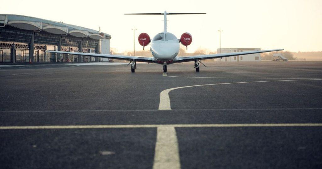 機内場面③:離陸・着陸の際の英語表現